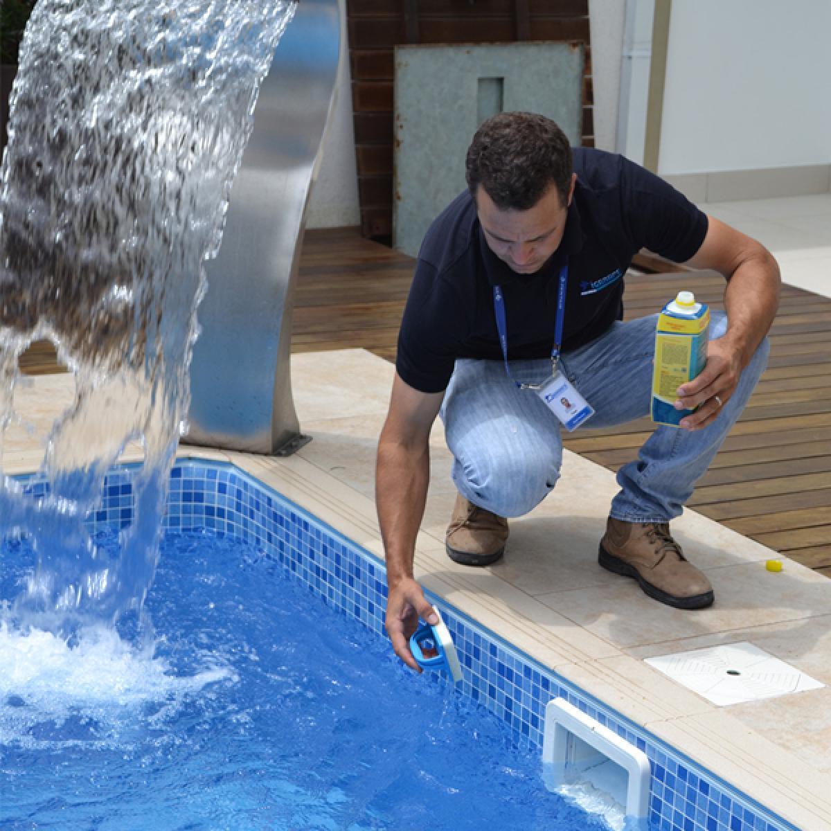 Imagens: Como manter a piscina limpa por mais tempo: 4 dicas simples
