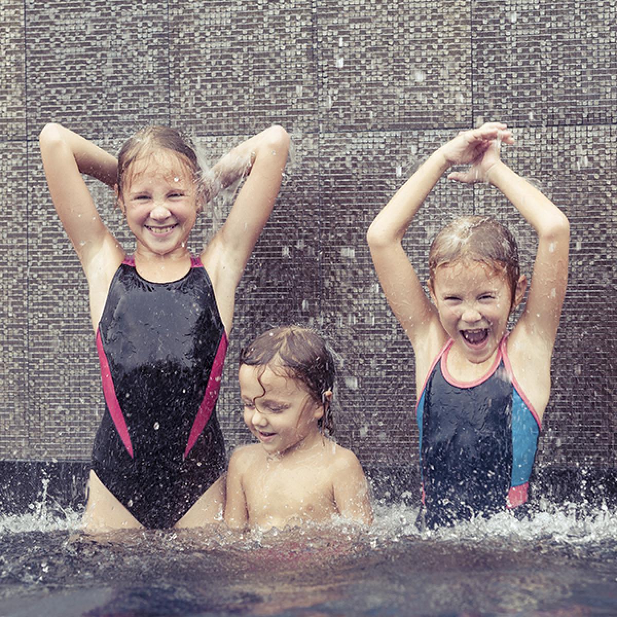Imagens: Jogos para brincar na piscina!